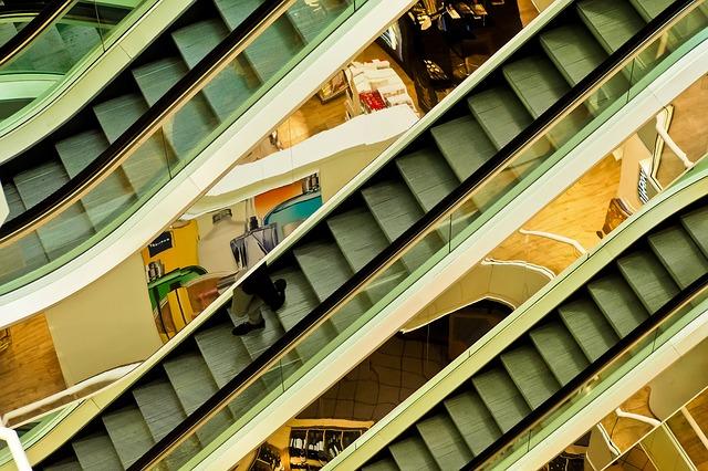 eskalátory v obchoďáku.jpg