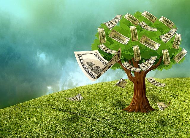 hotovost na stromě