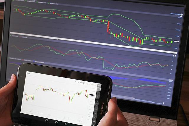 tablet a monitor s grafem